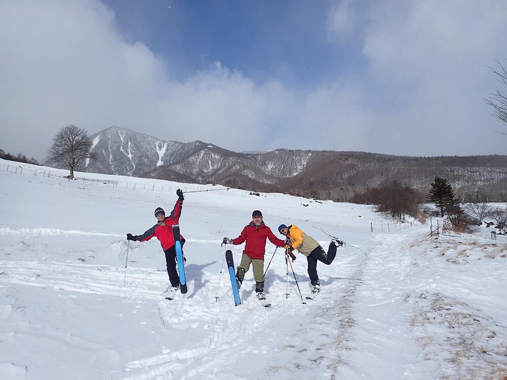 スノーハイク半日ハイキング