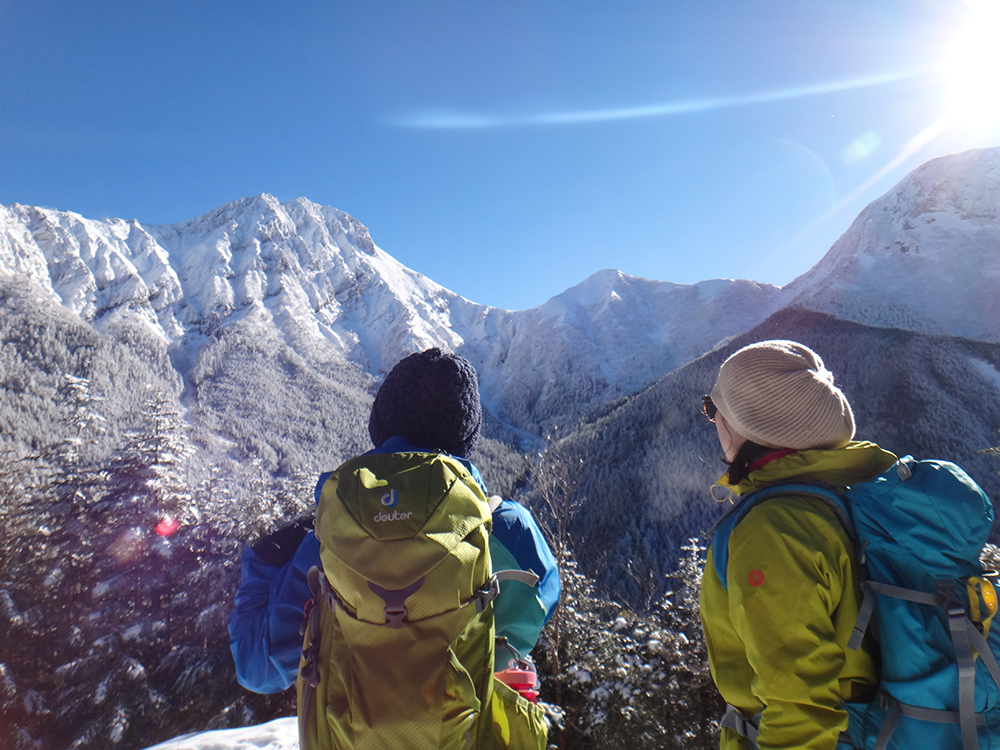 雪山トレッキング入門/赤岳鉱泉と中山展望台