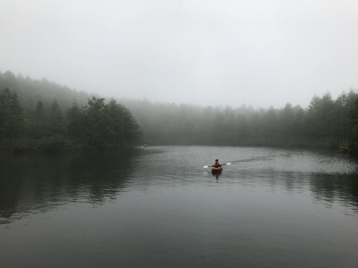 静寂を味わう美しの池〜山カヤック