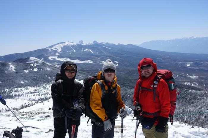 空よし、雪よし、言うことなし、な雪山トレッキング入門
